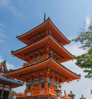 plongez dans l histoire de kyoto ancienne capitale japonaise la culture ancestrale pr serv e. Black Bedroom Furniture Sets. Home Design Ideas