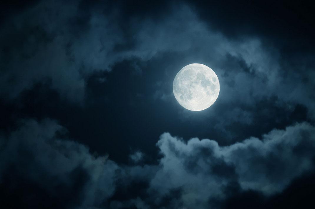 lune-nuages