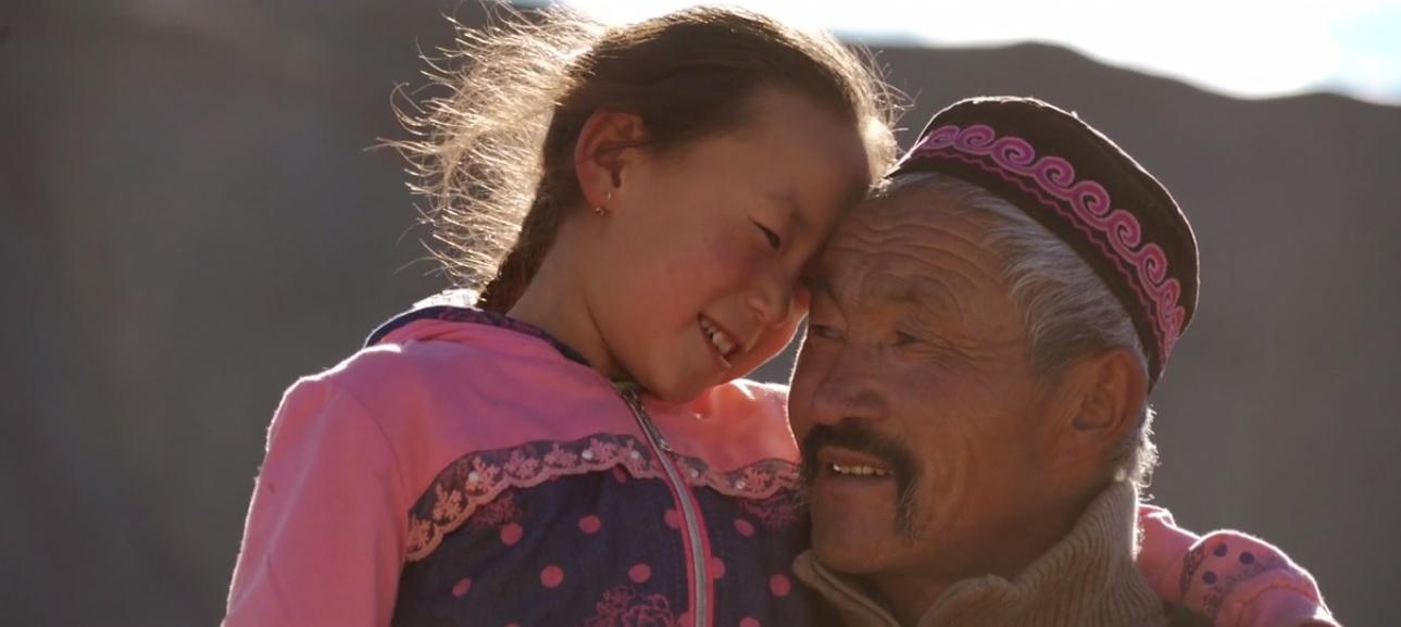 nomades-enfant-tendresse