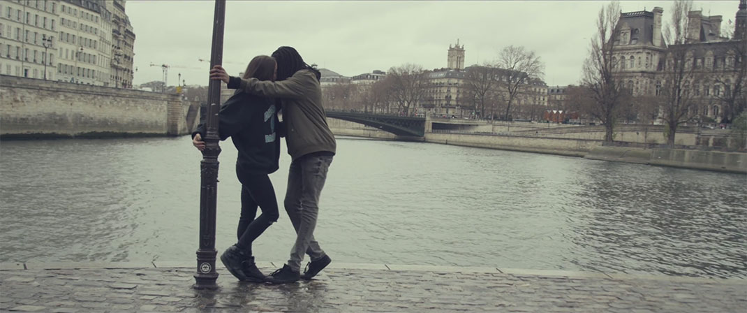 paris-is-kissing-10