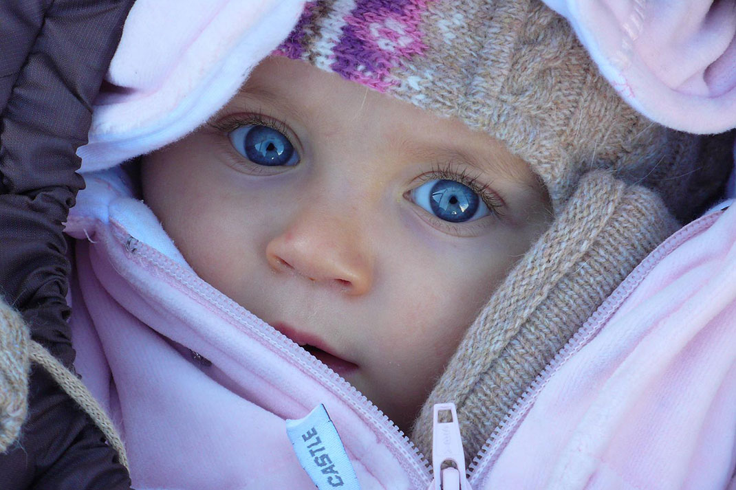 si les gens ont les yeux bleus ils ne le doivent qu la mutation g n tique d une seule. Black Bedroom Furniture Sets. Home Design Ideas