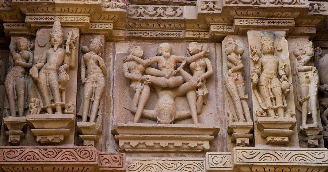 Sculptures d'un temple à Khajuraho