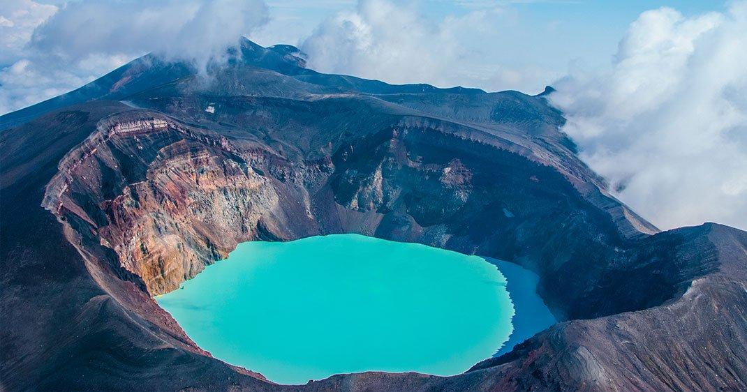 UNE-volcans