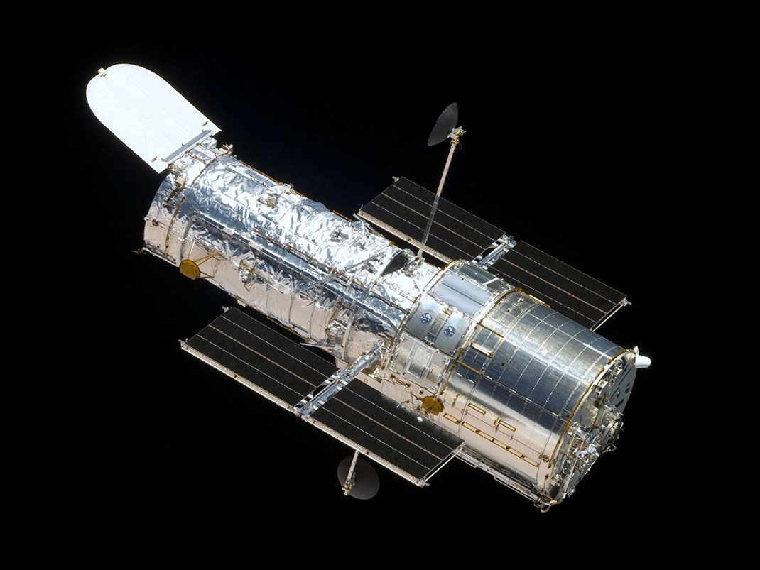 Telescope-Hubble