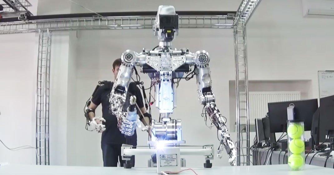 fyodor-robot-astronaute-une