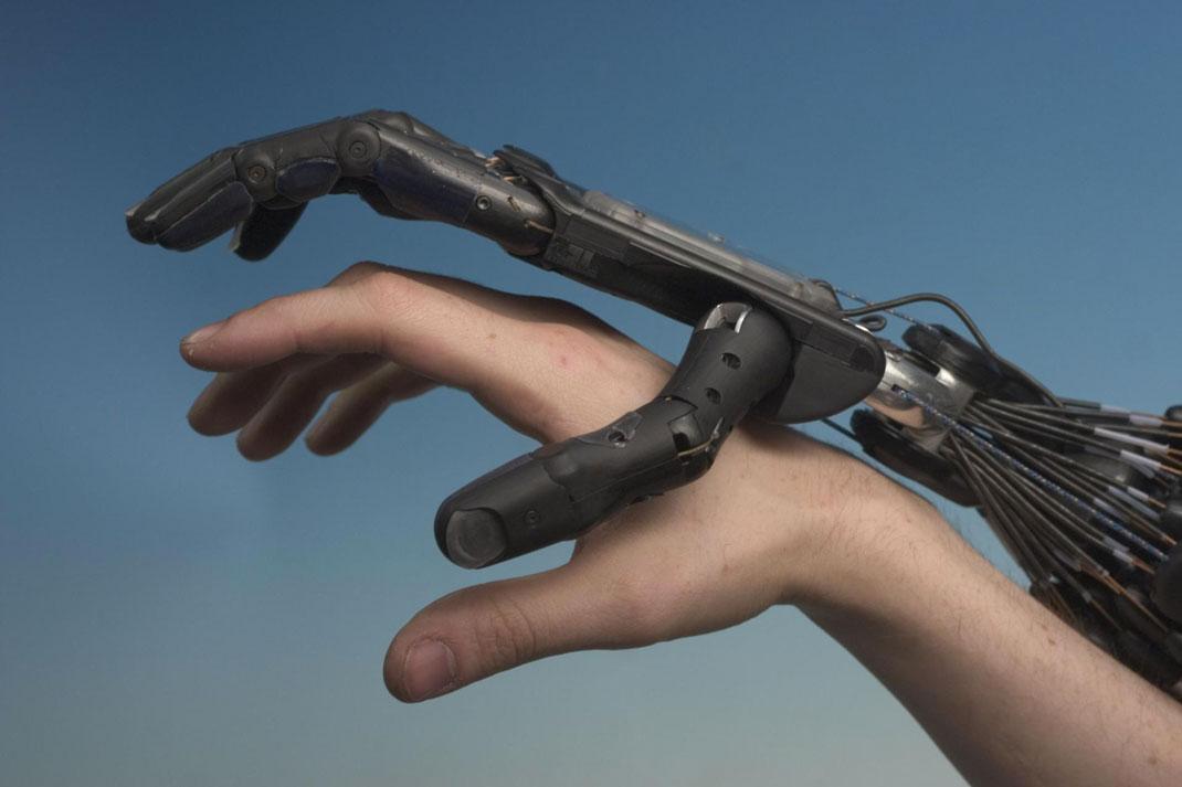 main-robotisee-dexterite-3