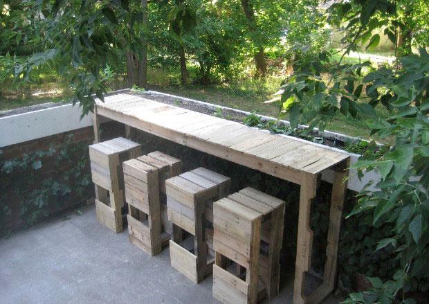 Célèbre 34 astuces ingénieuses pour transformer les palettes de bois en  ZW51