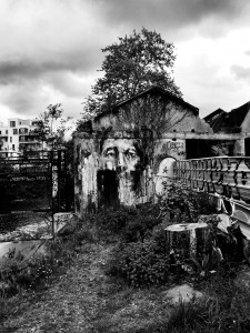 street-art-portrait-triste-41