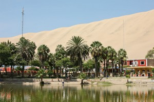12-village-Huacachina