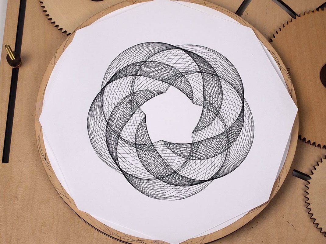 Cycloid-Drawing-Machine-4