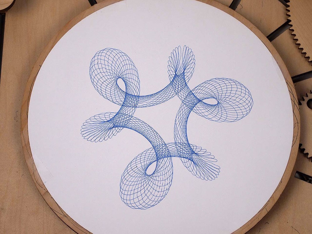 Cycloid-Drawing-Machine-5
