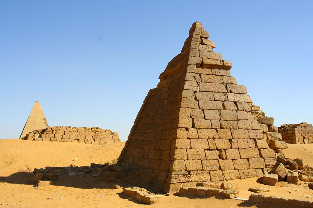 Pyramides-nubie-12