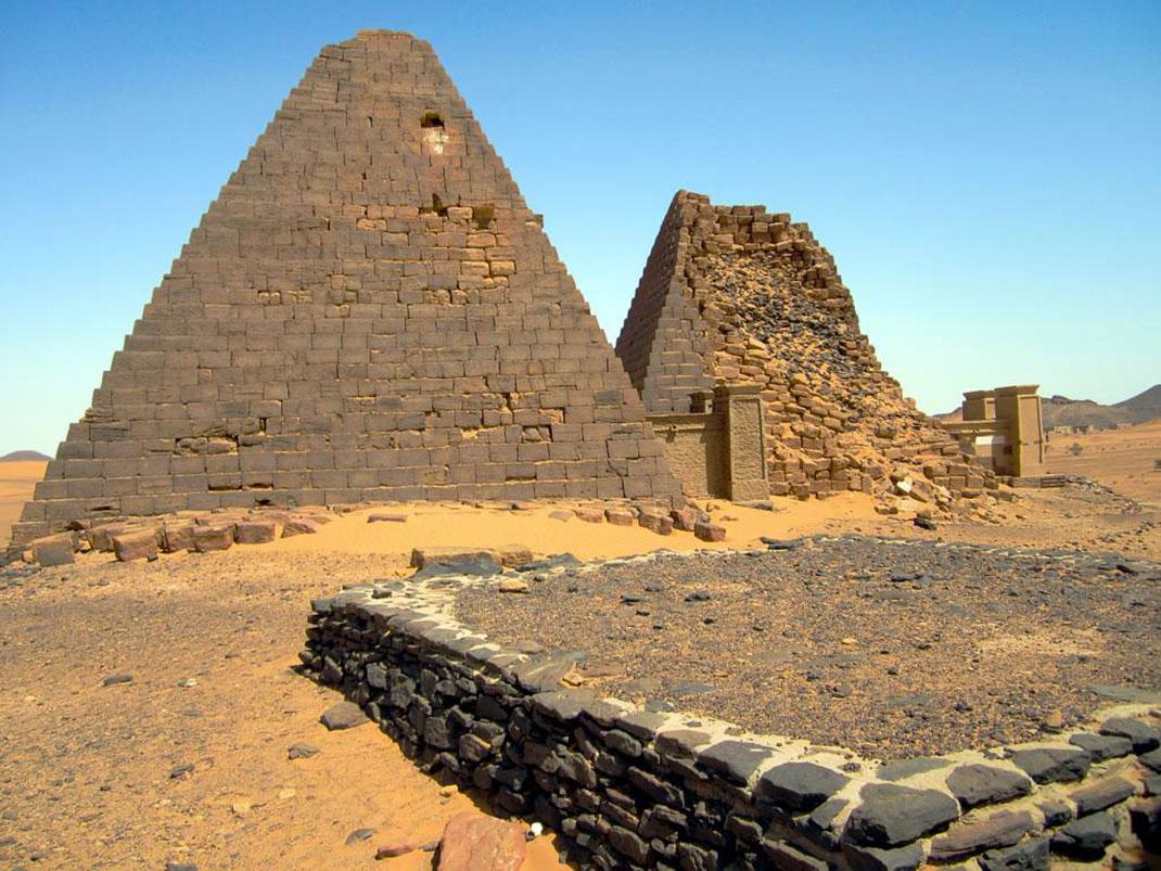 Pyramides-nubie-13