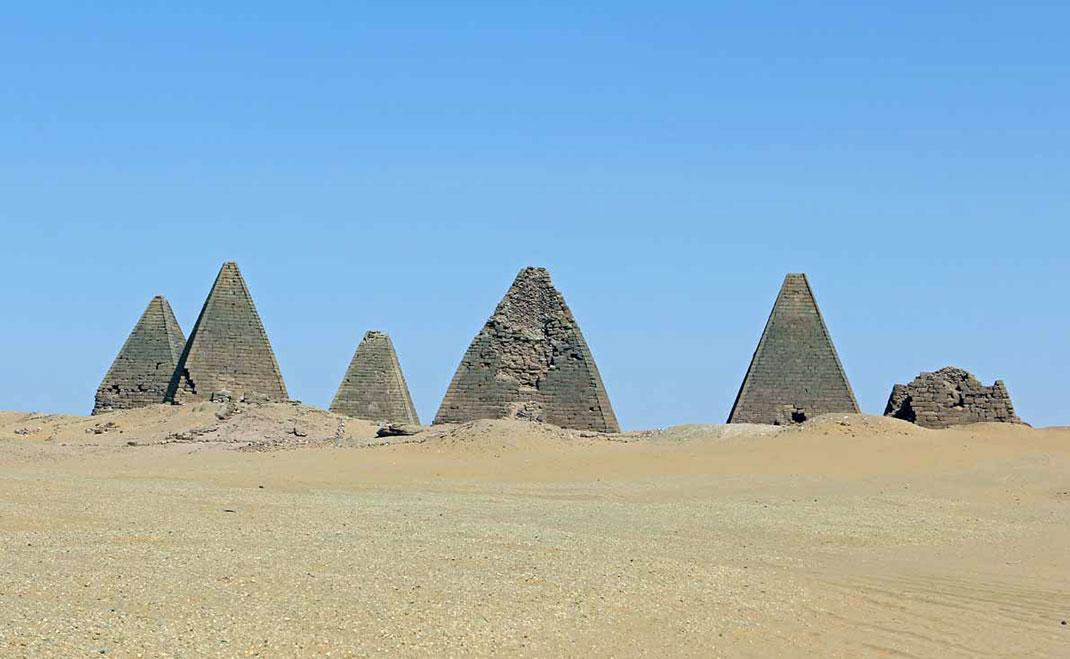 Pyramides-nubie-14