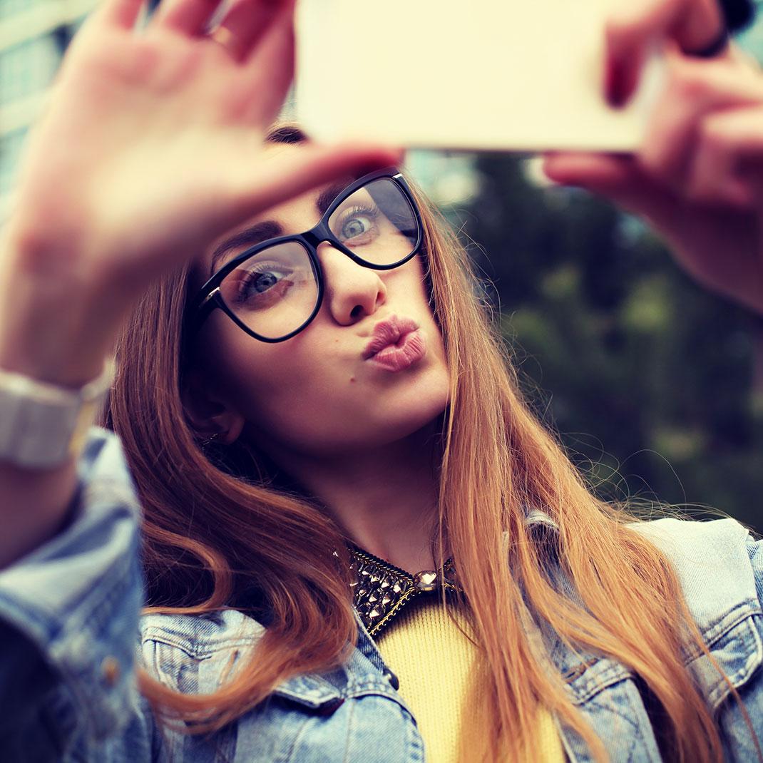 Selfie-shutterstock-2