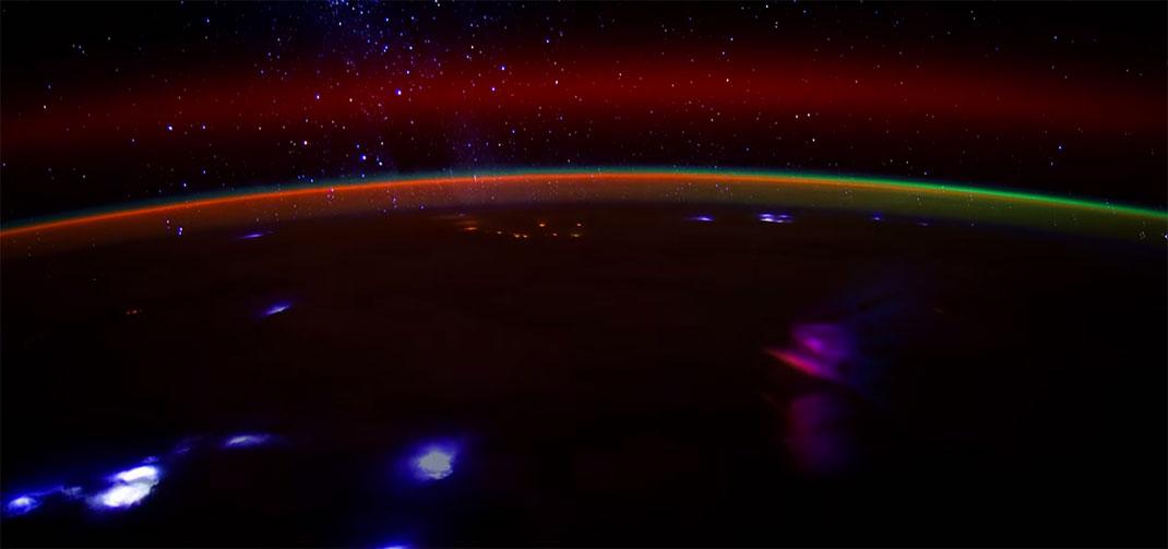 aurore-boreale-espace-11