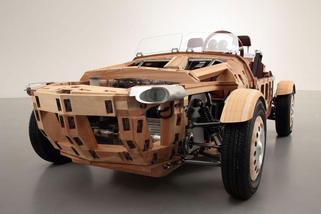 inspir e de la charpenterie traditionnelle japonaise cette voiture en bois est une v ritable. Black Bedroom Furniture Sets. Home Design Ideas