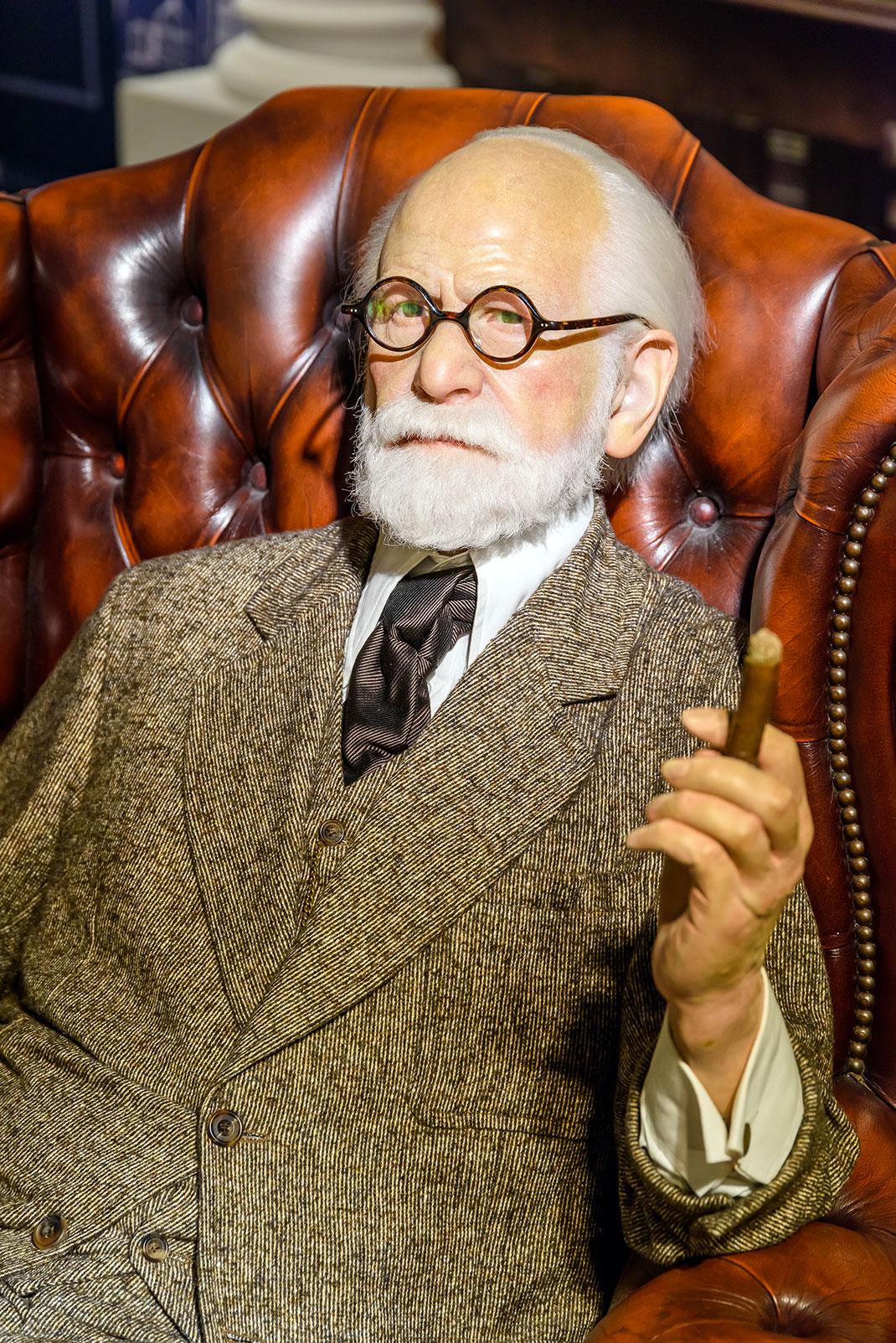 Freud-fumant-shutterstock