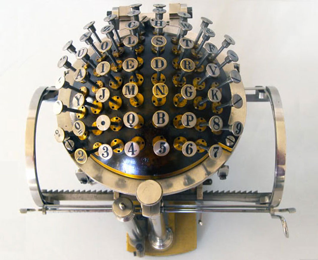 La Hansen Writing Ball
