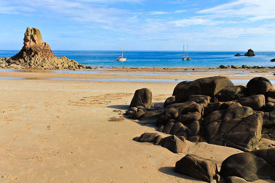 Beauport Beach via Shutterstock