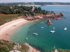 Beauport Bay via Shutterstock
