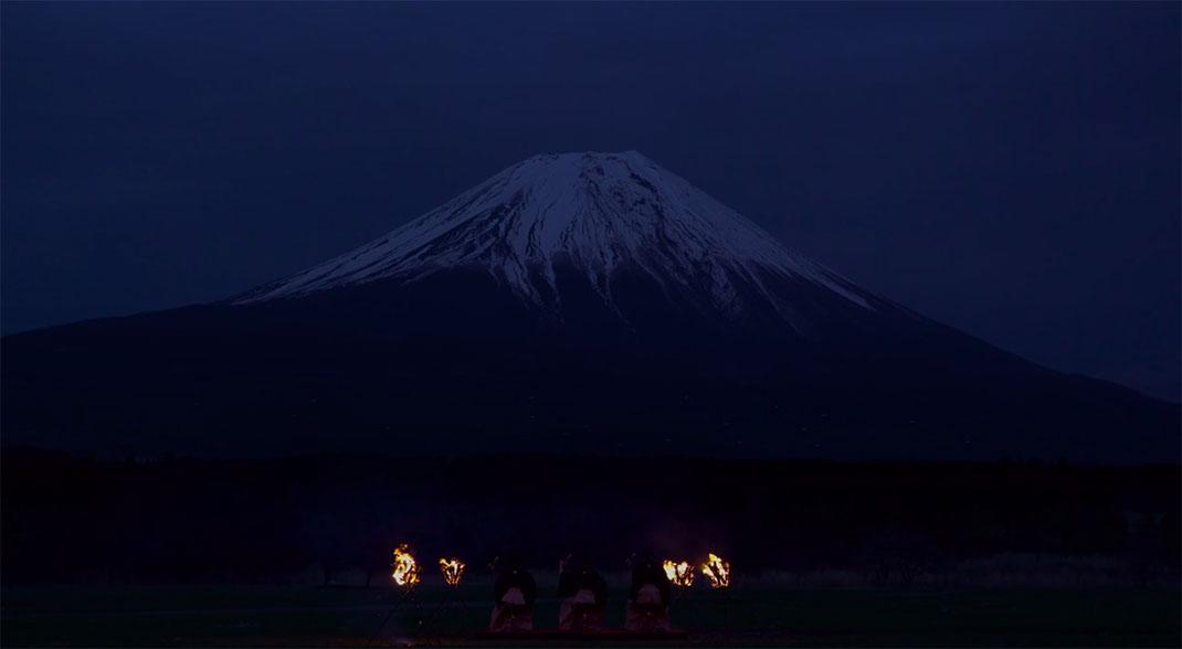Mont-Fuji-drones-10