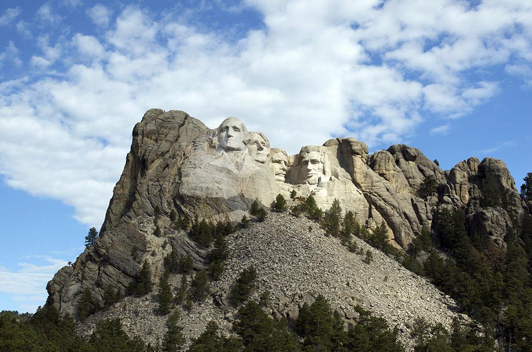 Le Mont Rushmore via Shutterstock