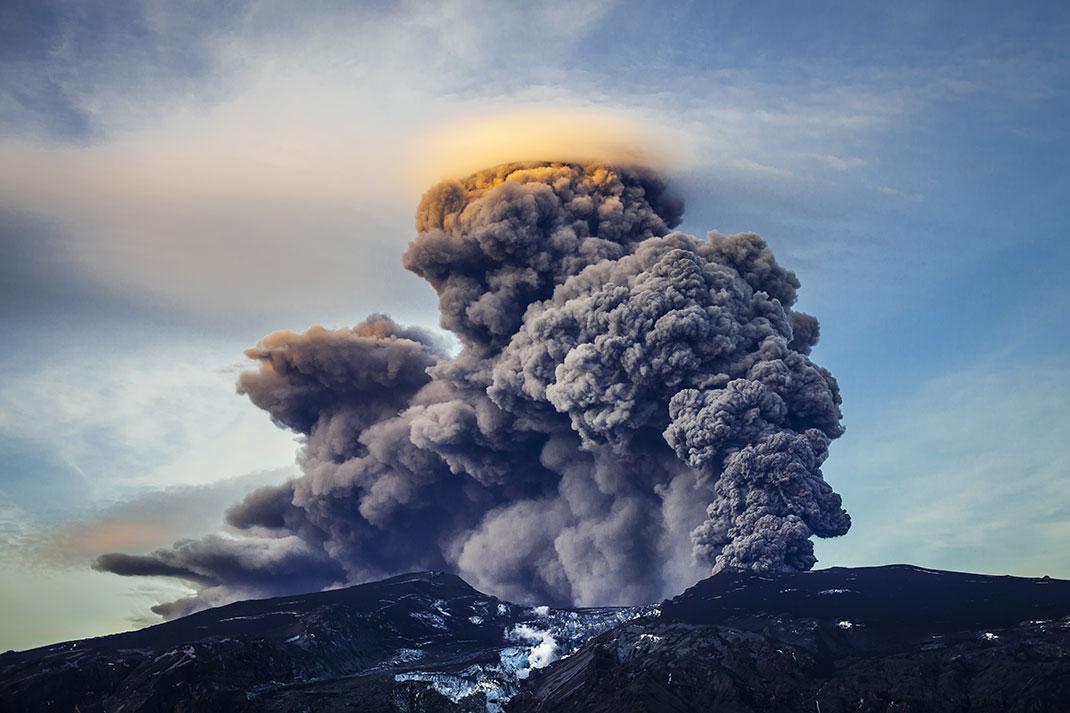 Un volcan via Shutterstock