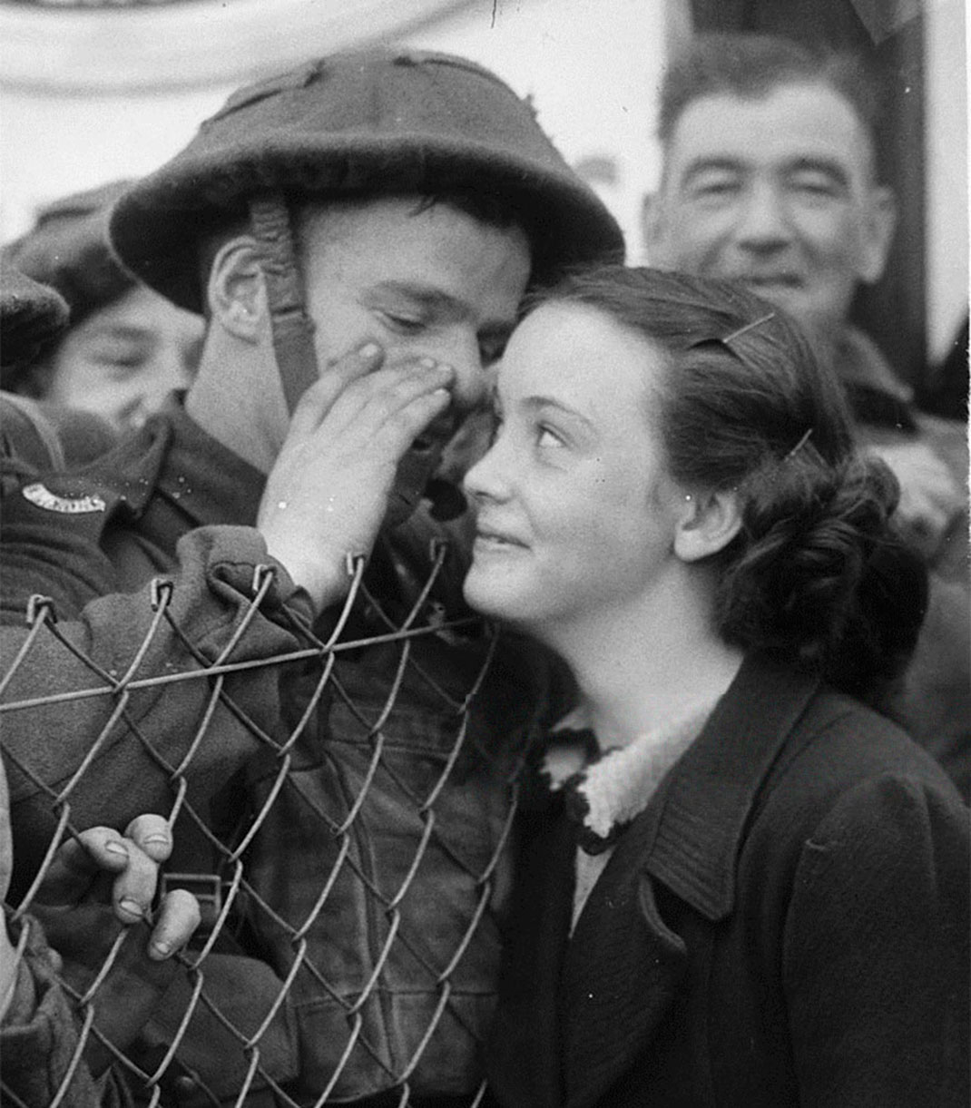 baiser-guerre-soldats-16