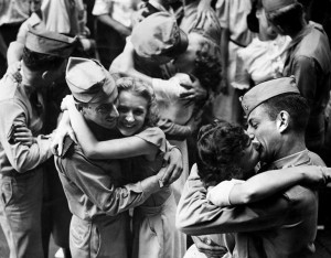 baiser-guerre-soldats-23