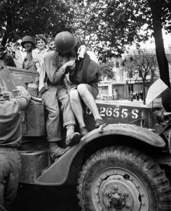baiser-guerre-soldats-35