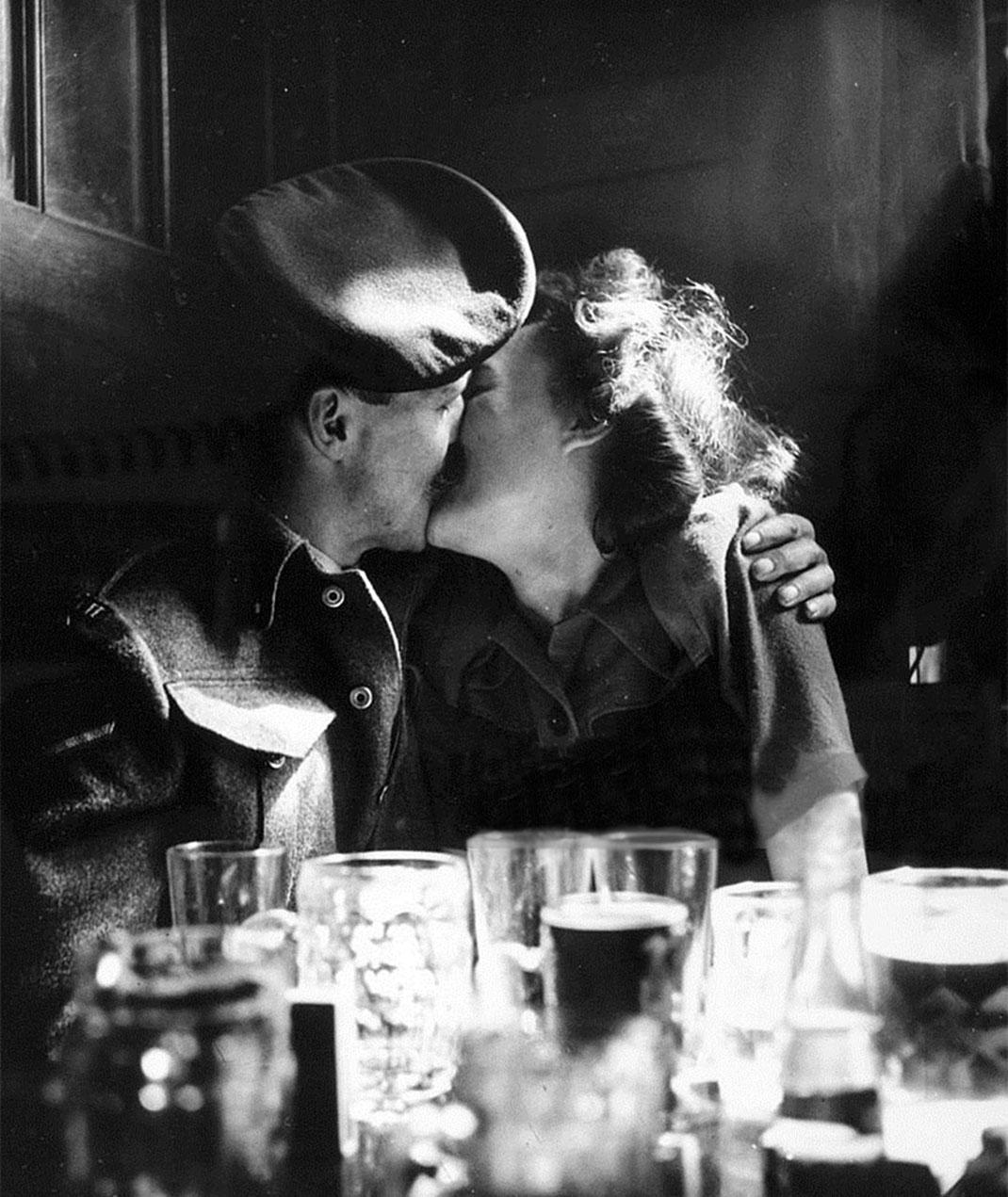 baiser-guerre-soldats-40