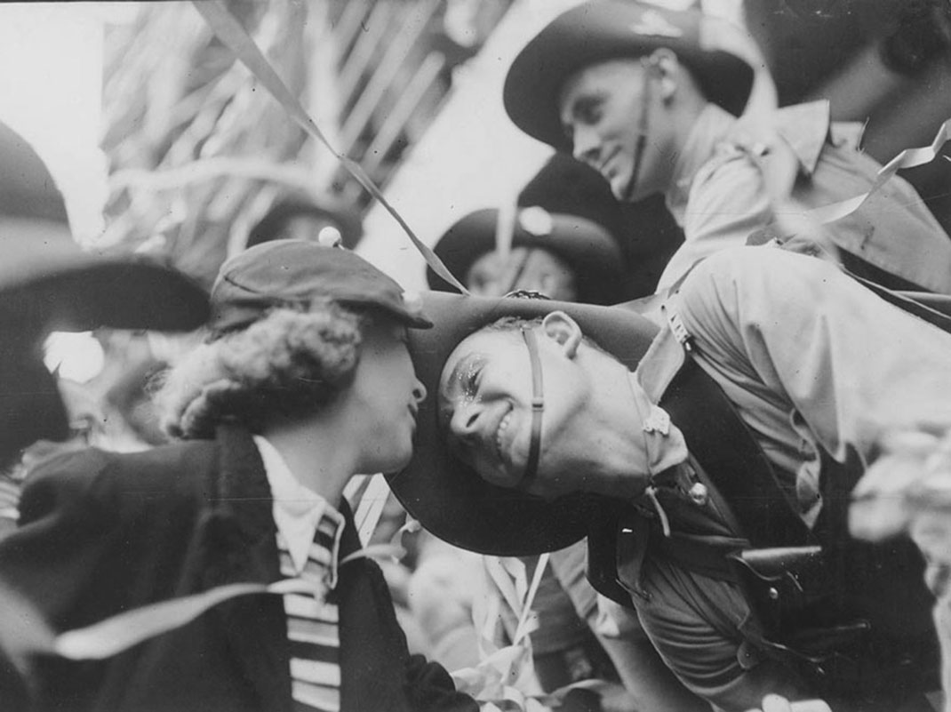 baiser-guerre-soldats-42
