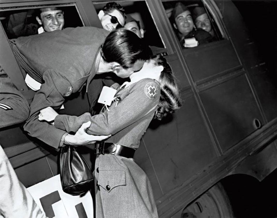 baiser-guerre-soldats-43