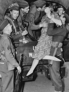 baiser-guerre-soldats-45