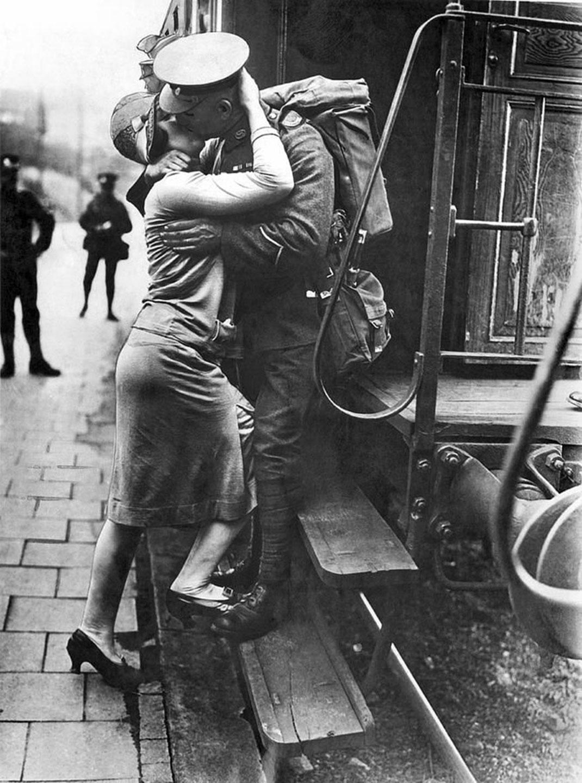 baiser-guerre-soldats-51