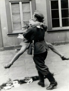 baiser-guerre-soldats-9