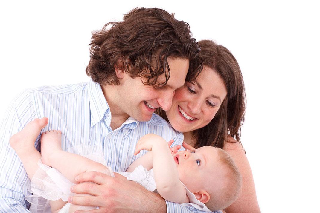 parents-enfant-famille-14