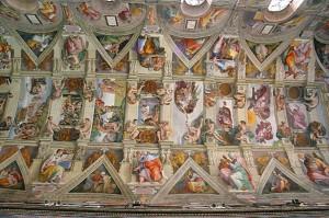 Le plafond de la chapelle Sixtine, peinte par Michel-Ange