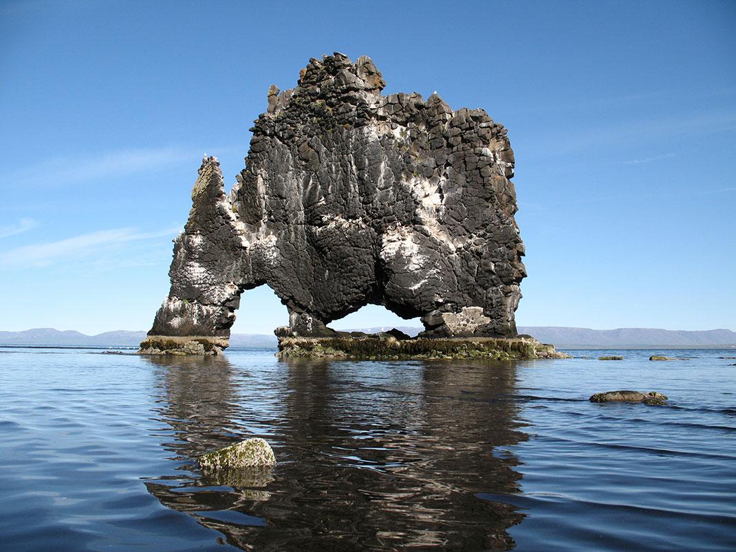 Hvítserkur en Islande via Shutterstock