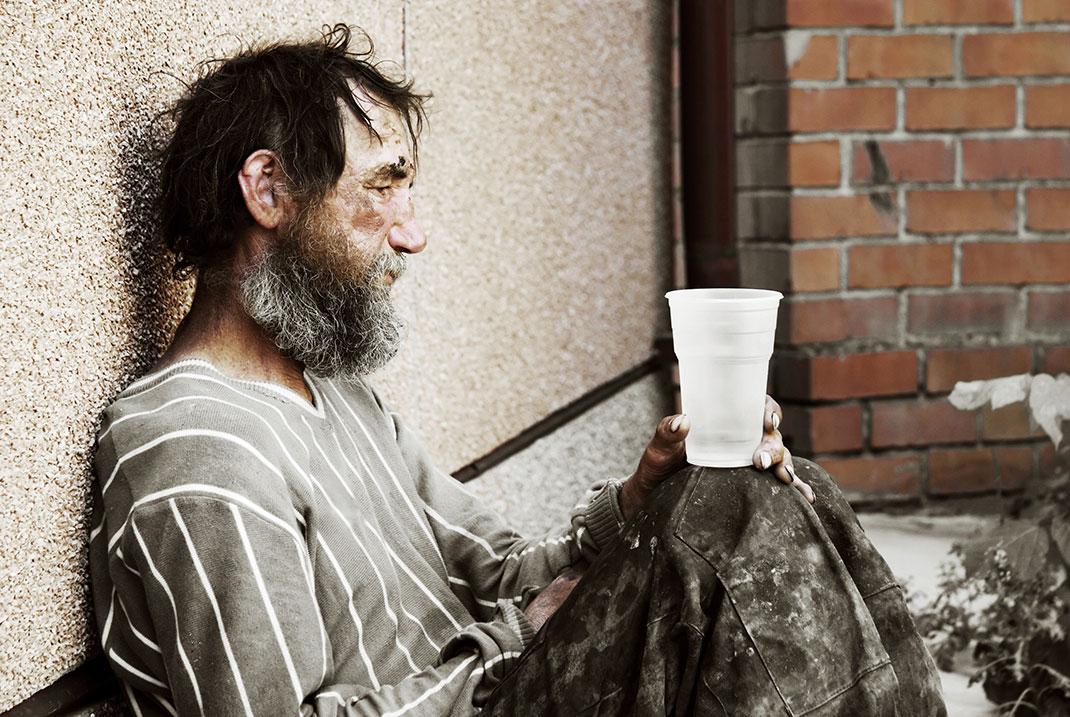 Un sans-abri via Shutterstock