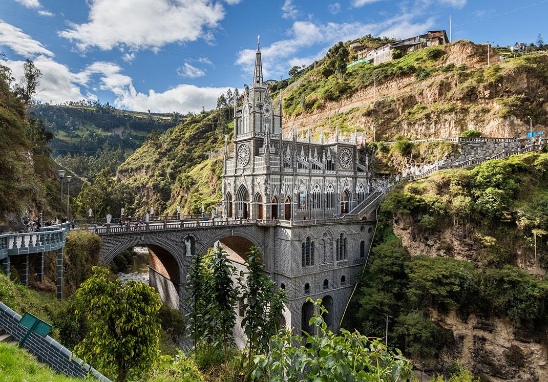 1-Santuario-de-las-Lajas-