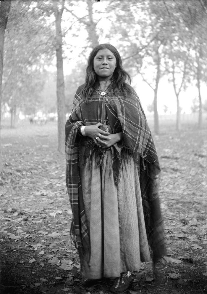 Une jeune femme Ute (1880-1900)