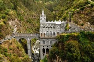 Le Sanctuaire de Las Lajas en Colombie via Shutterstock