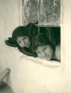 Des filles Hopi photographiées par Carl Werntz en 1900