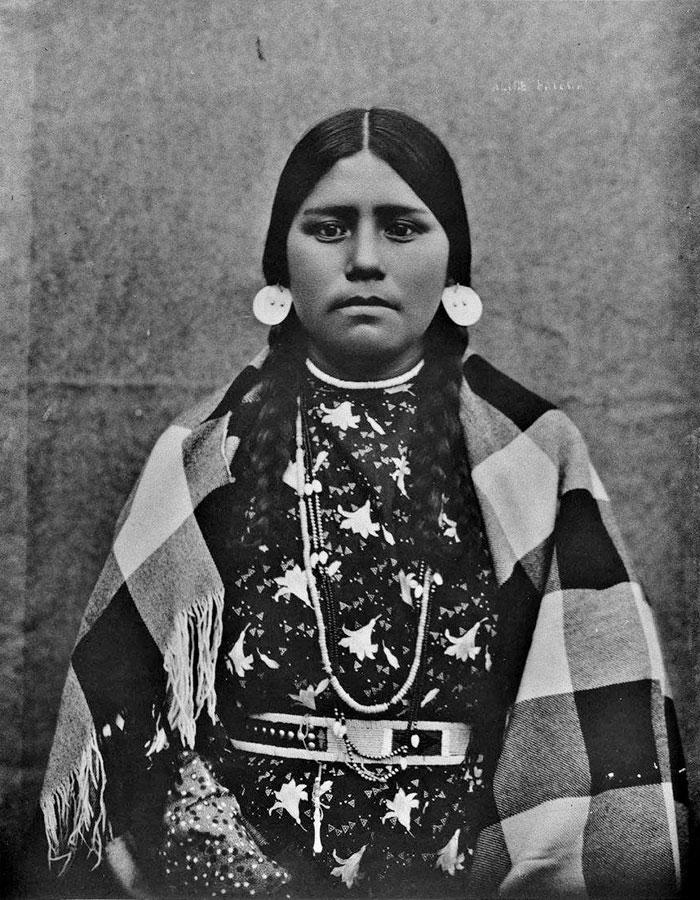 Alice, de tribu inconnue (peut-être des Cayuse, Walla Walla ou Umatilla) en 1900