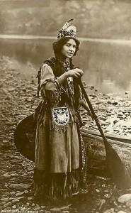 Une jeune amérindienne (1870-1900)