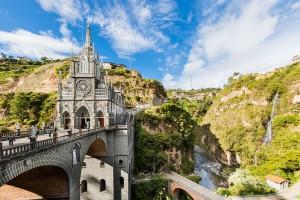6-Santuario-de-las-Lajas-