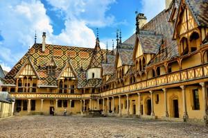 Les hospices de Beaune via Shutterstock
