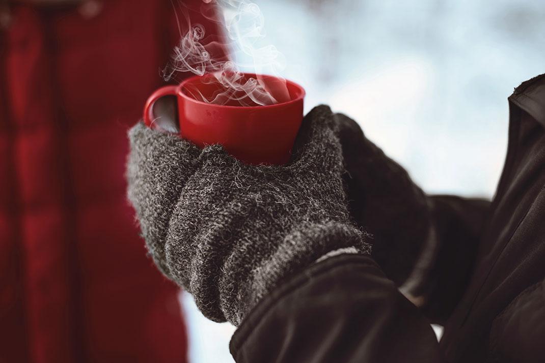 Une boisson chaude via Shutterstock